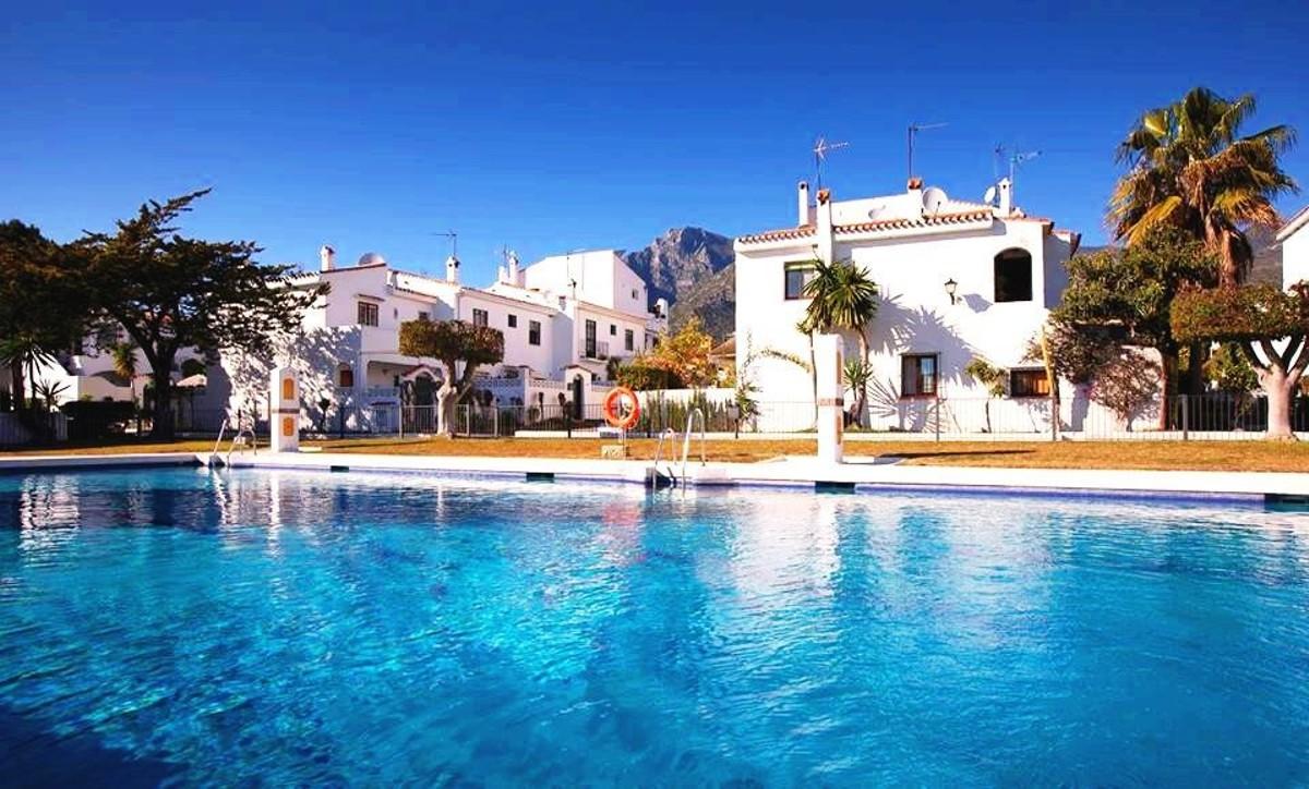 adosada en Marbella