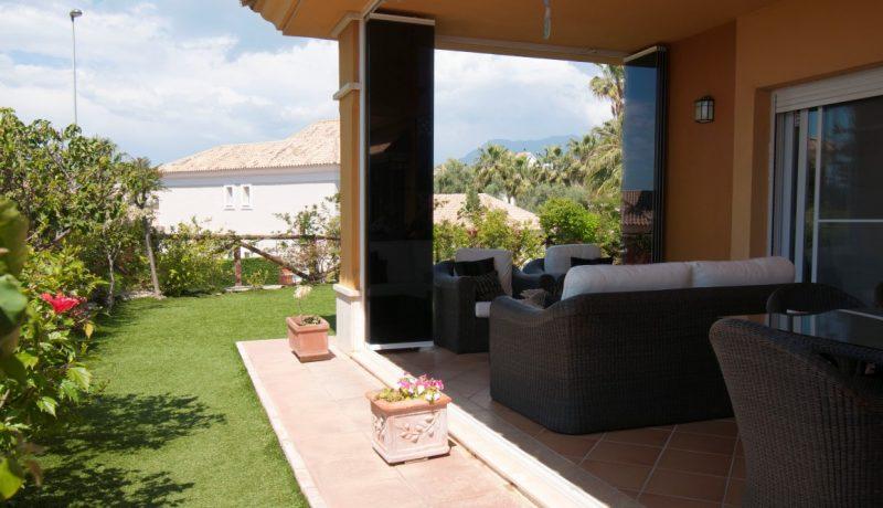 villa on first line golf marbella